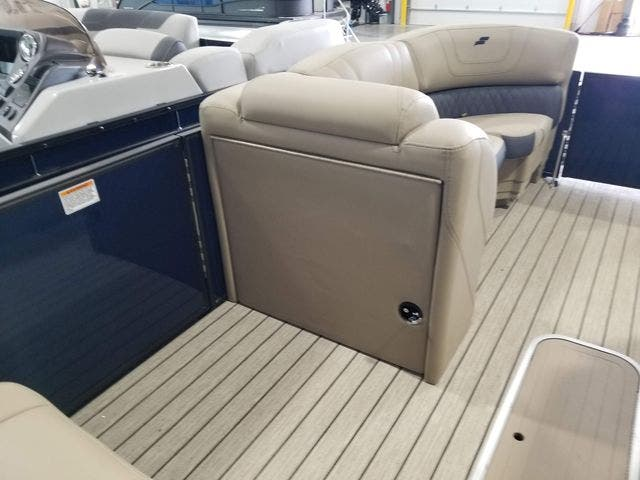 2022 Starcraft boat for sale, model of the boat is SLS3TT & Image # 9 of 12