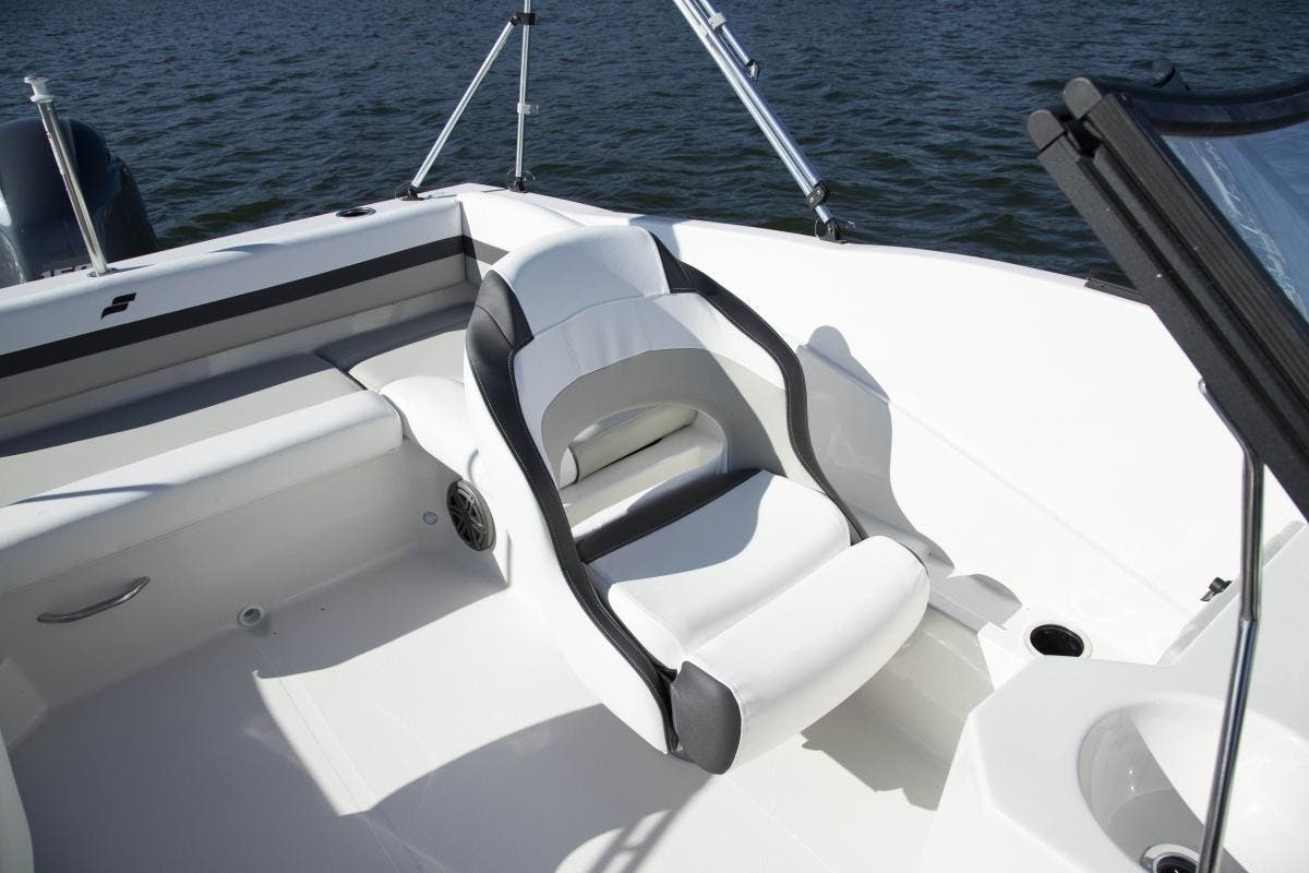 2022 Starcraft boat for sale, model of the boat is SVX 190 OB & Image # 5 of 6
