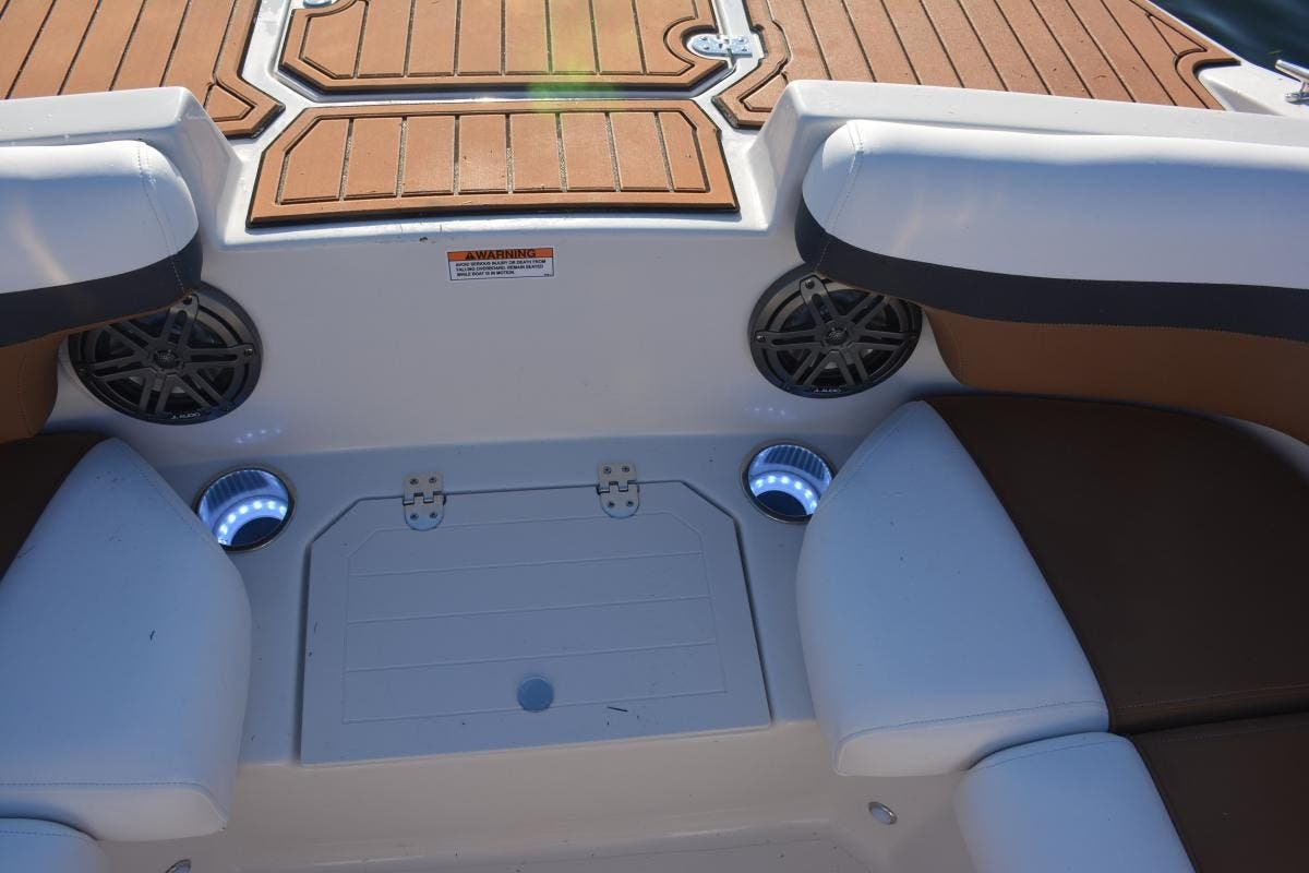 2022 Starcraft boat for sale, model of the boat is SVX 210 OB & Image # 6 of 7