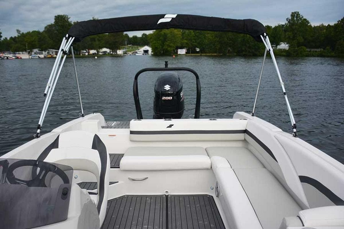 2022 Starcraft boat for sale, model of the boat is SVX 211 OB & Image # 4 of 4