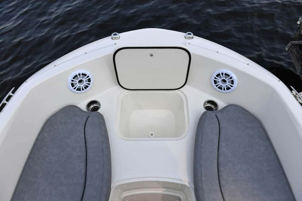 2022 Stingray boat for sale, model of the boat is 182SC & Image # 6 of 6