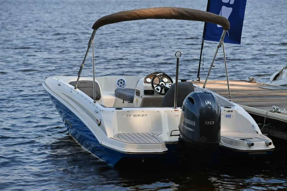 2022 Stingray boat for sale, model of the boat is 182SC & Image # 3 of 6