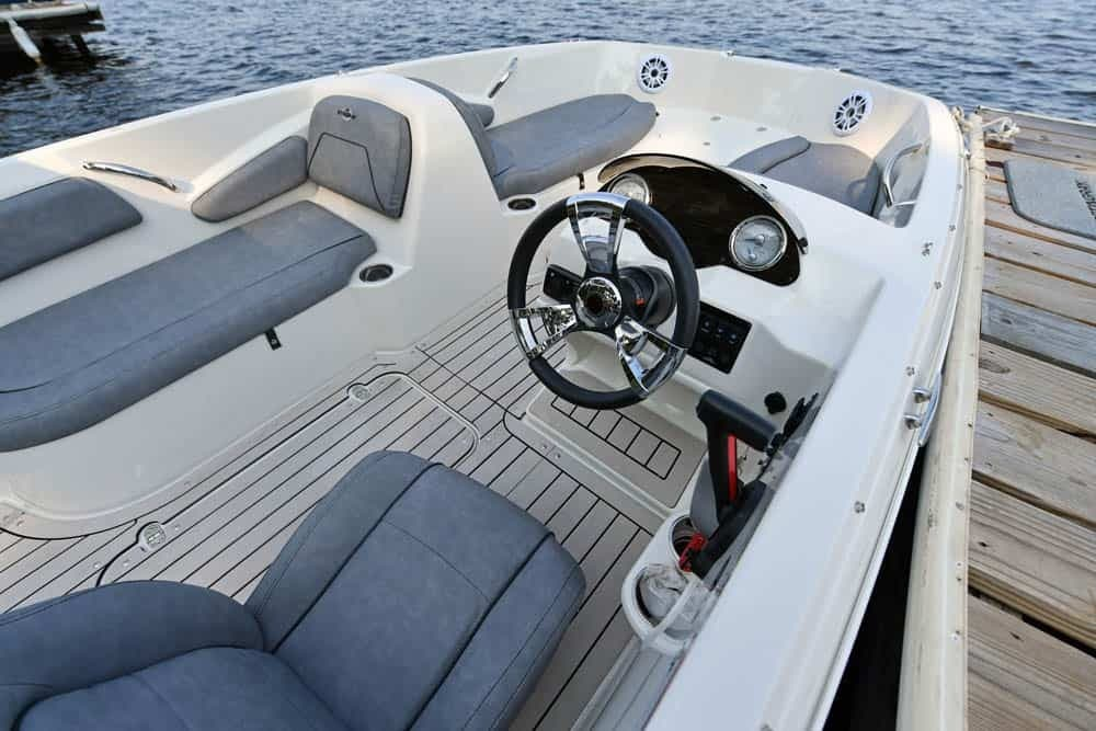 2022 Stingray boat for sale, model of the boat is 182SC & Image # 4 of 6