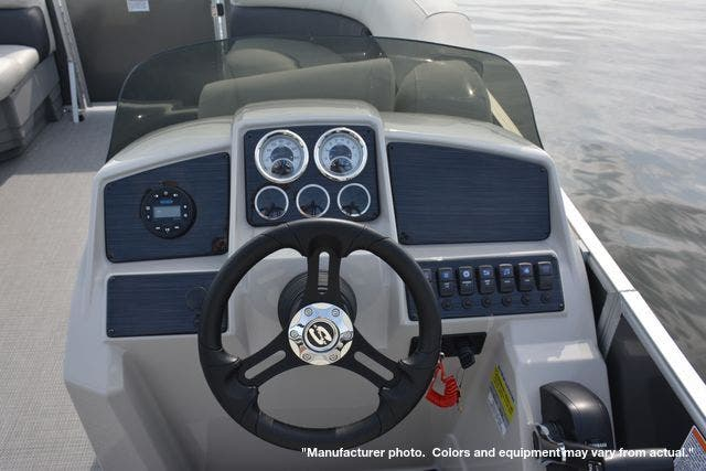 2022 Sylvan boat for sale, model of the boat is 8522MirageLZ & Image # 10 of 17