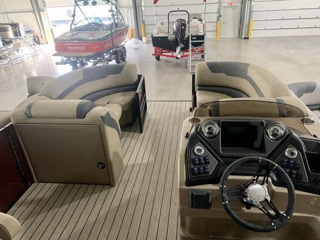 2022 Sylvan boat for sale, model of the boat is L3CLZDH & Image # 4 of 9