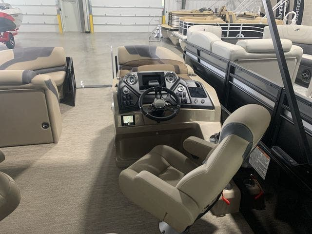 2022 Sylvan boat for sale, model of the boat is L3DLZ & Image # 7 of 11
