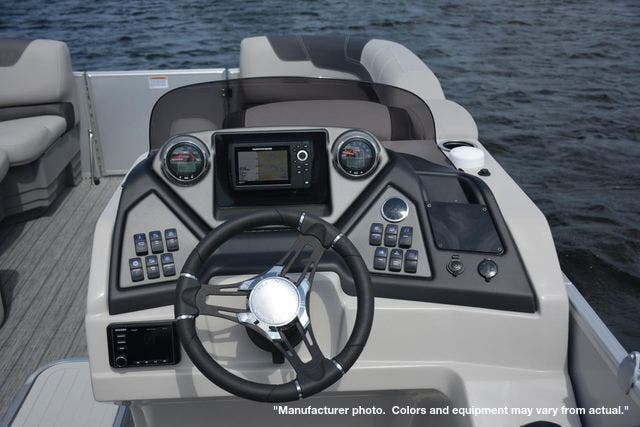 2022 Sylvan boat for sale, model of the boat is L3DLZ & Image # 5 of 11