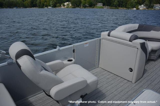 2022 Sylvan boat for sale, model of the boat is L3DLZ & Image # 6 of 11