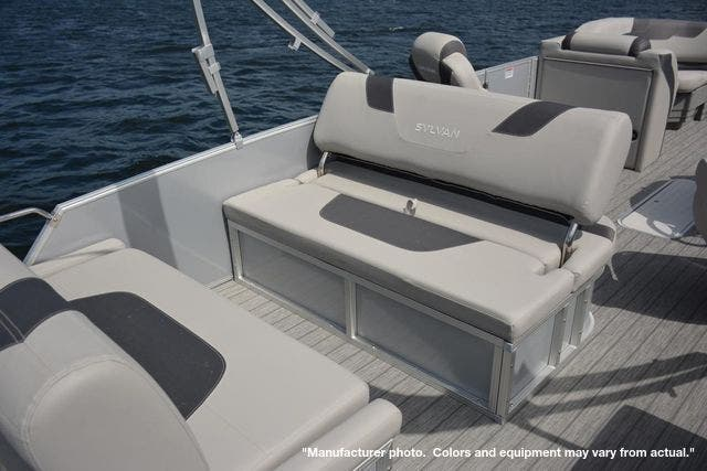 2022 Sylvan boat for sale, model of the boat is L3DLZ & Image # 9 of 11