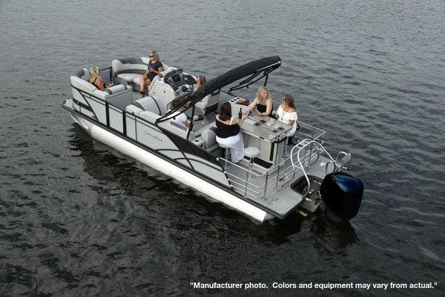 2022 Sylvan boat for sale, model of the boat is L3DLZBarTT & Image # 5 of 8