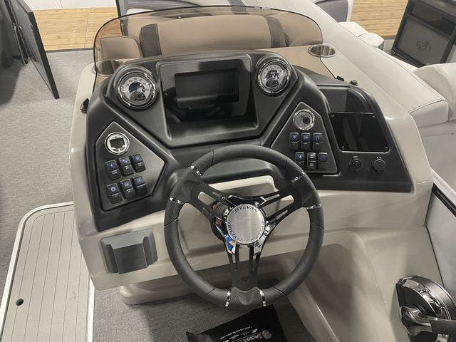2022 Sylvan boat for sale, model of the boat is L3DLZBarTT & Image # 4 of 13
