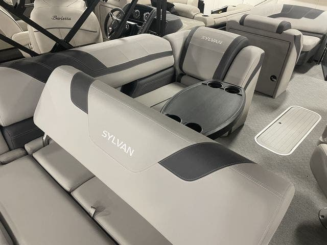2022 Sylvan boat for sale, model of the boat is L3DLZBarTT & Image # 12 of 13