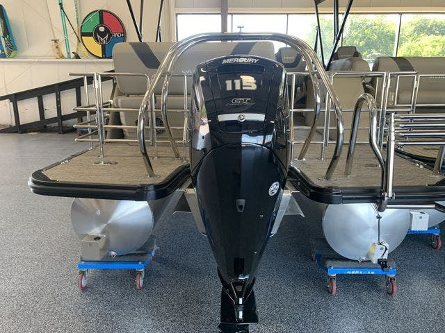 2022 Sylvan boat for sale, model of the boat is L5DLZ & Image # 8 of 16