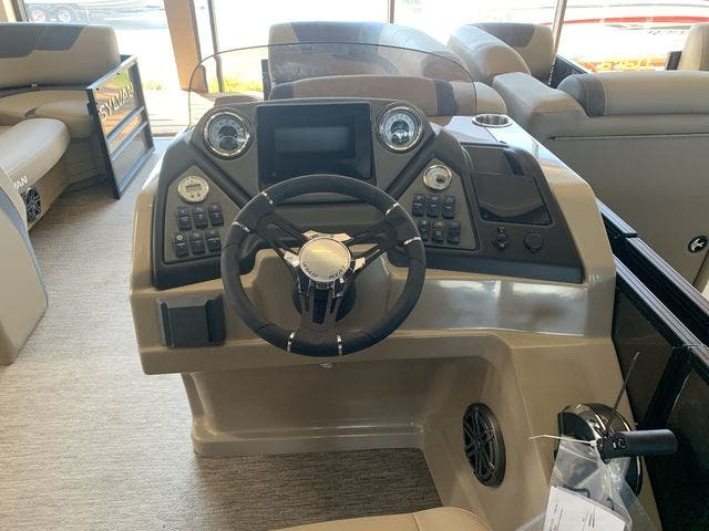 2022 Sylvan boat for sale, model of the boat is L5DLZ & Image # 15 of 16