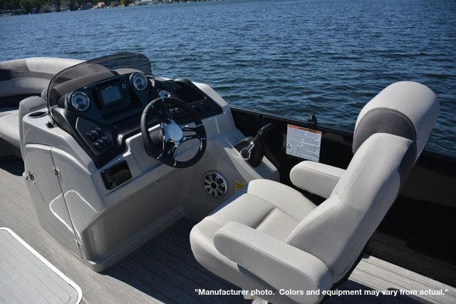2022 Sylvan boat for sale, model of the boat is L5DLZ & Image # 6 of 16