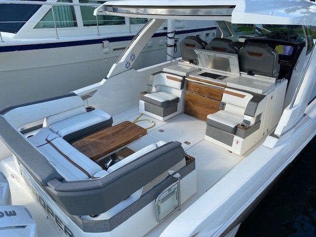 2022 Tiara Yachts boat for sale, model of the boat is 38 LS & Image # 4 of 19