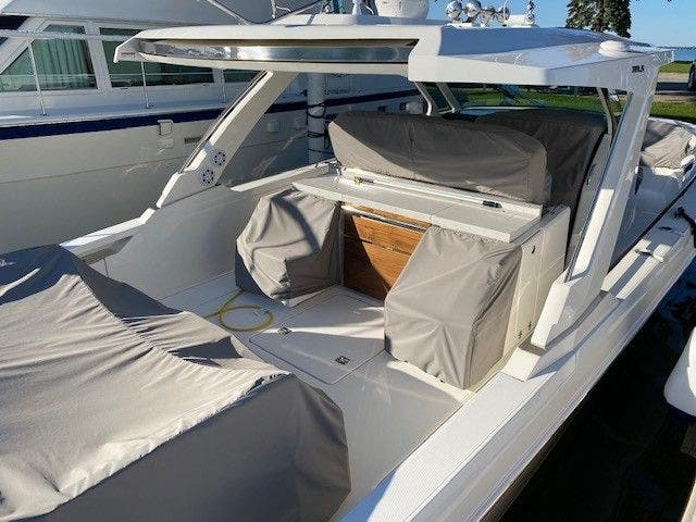 2022 Tiara Yachts boat for sale, model of the boat is 38 LS & Image # 5 of 19