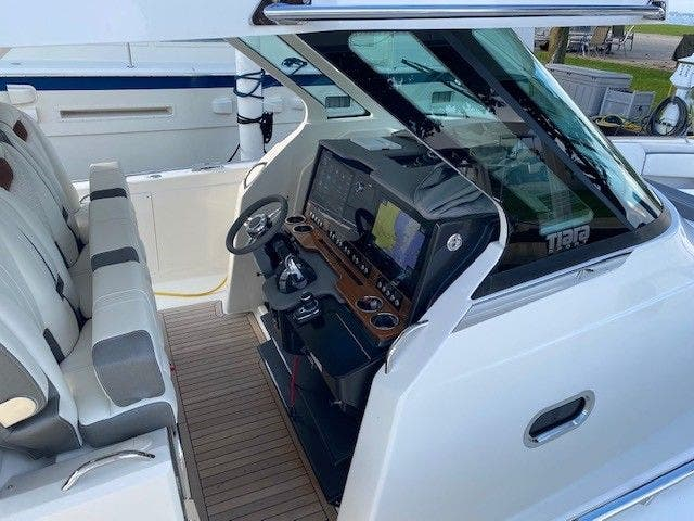 2022 Tiara Yachts boat for sale, model of the boat is 38 LS & Image # 11 of 19