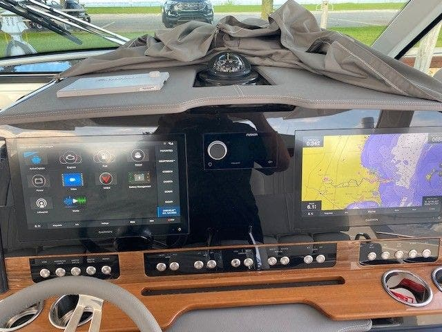 2022 Tiara Yachts boat for sale, model of the boat is 38 LS & Image # 12 of 19