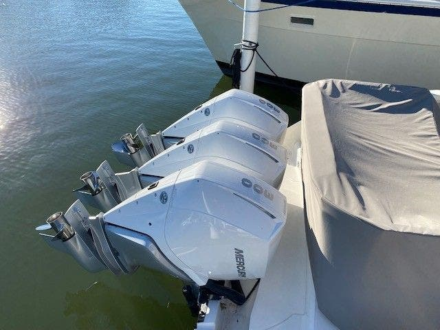 2022 Tiara Yachts boat for sale, model of the boat is 38 LS & Image # 19 of 19