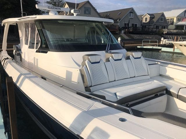 2022 Tiara Yachts boat for sale, model of the boat is 43 LS & Image # 4 of 5